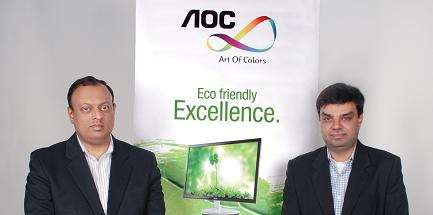 Ibrahim Ojha of Online Distribution with Suchit Kumar of AOC (Left to right)