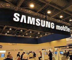 the-samsung-booth-at-ctia-2010-s